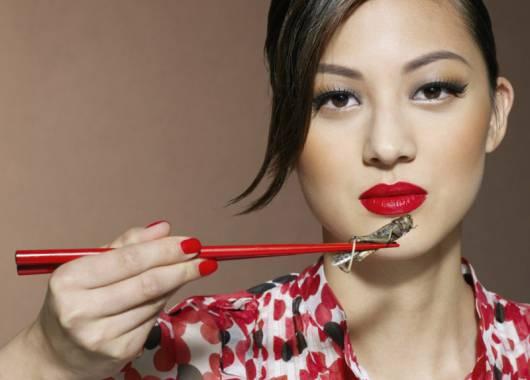 Che cos'è il Novel Food? Mangiare insetti come cibo del futuro, presto anche in Italia