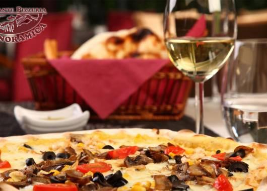 Pizza e vino, l'abbinamento perfetto in controtendenza?