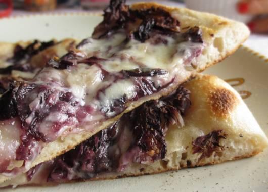 Pizza al radicchio alla Pizzeria Ristorante La Panoramica
