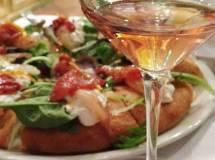 La pizza in abbinamento con il vino. I consigli della Pizzeria La Panoramica per l'estate