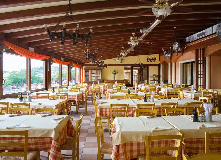 Ristorante pizzeria per giovani a Verona, La Panoramica a colognola ai Colli