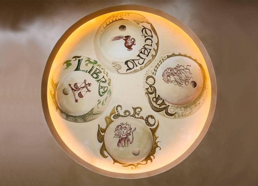 Lampadario interno al ristorante in provincia di Verona La Panoramica