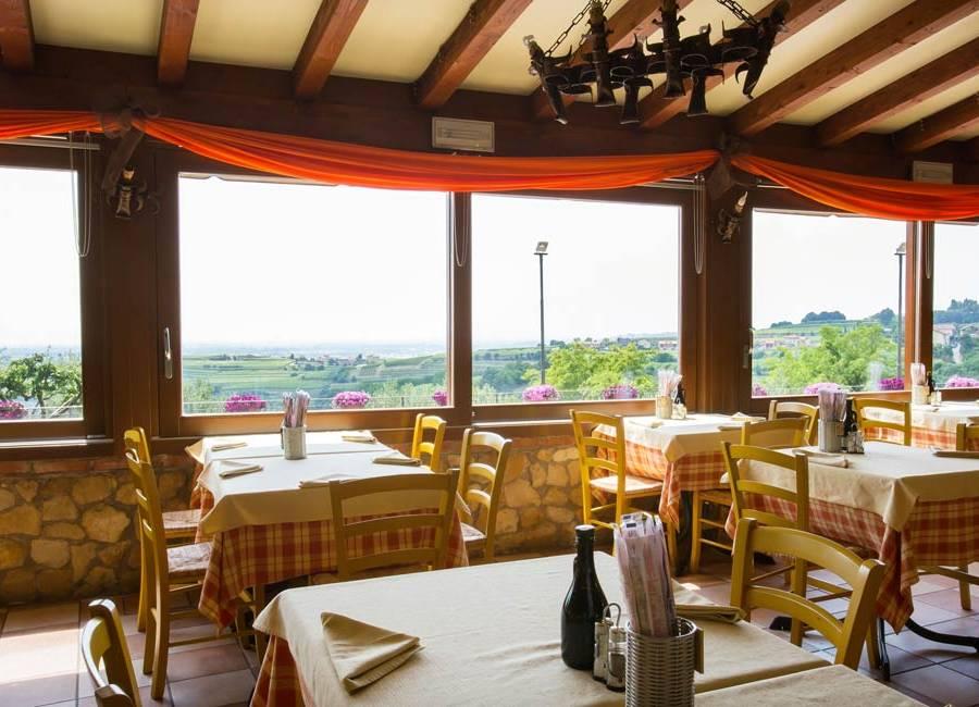 Ristorante pizzeria per famiglie a Verona: La Panoramica a Colognola ai Colli